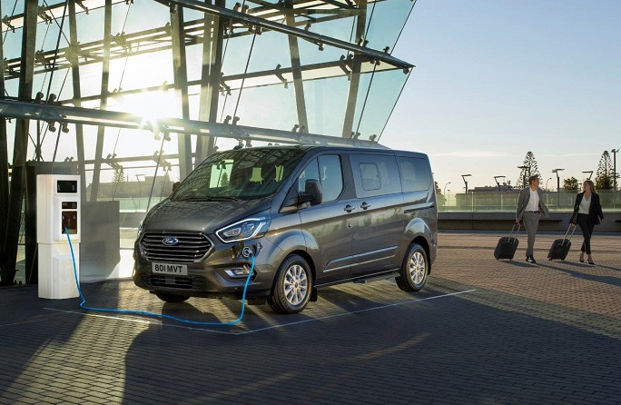 2019_FORD_TOURNEO_CUSTOM_PHEV__01е.jpg
