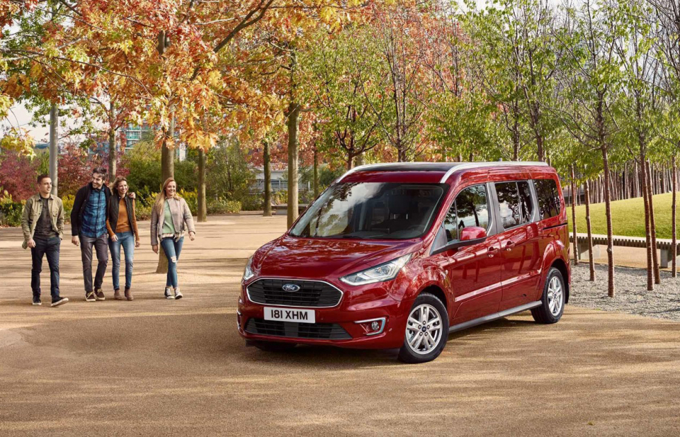 ford-tourneo_connect-eu-06_TourneoConnectV408_Crops_Central_GUXBBDHP-16x9-2160x1215.originalRendition.jpg